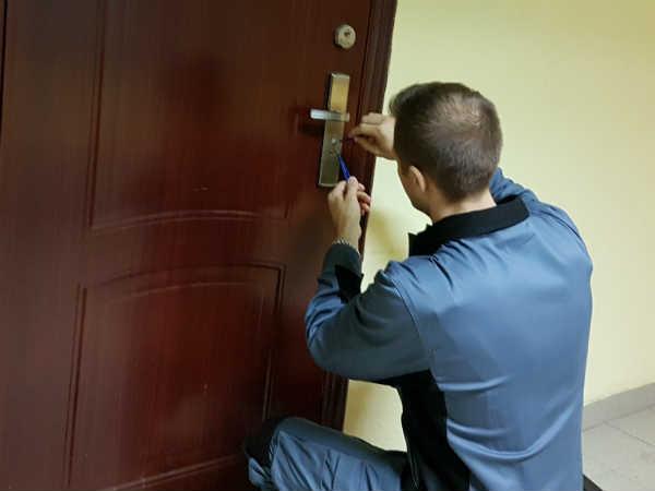 вскрытие дверей в Химках